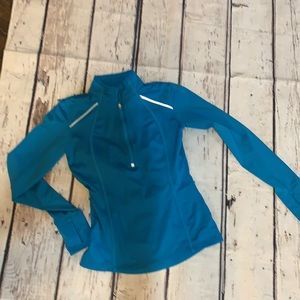 Athleta Pull Over Top (S14928)